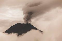 Εναέρια άποψη του ηφαιστείου Tungurahua Στοκ Εικόνα
