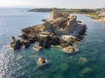 Εναέρια άποψη του κάστρου Aragonese LE Castella, LE Castella, Καλαβρία, Ιταλία Στοκ φωτογραφίες με δικαίωμα ελεύθερης χρήσης