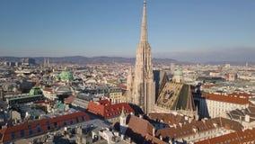 Εναέρια άποψη του καθεδρικού ναού του ST Stephen απόθεμα βίντεο