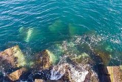 Εναέρια άποψη του κυματοθραύστη Στοκ φωτογραφία με δικαίωμα ελεύθερης χρήσης