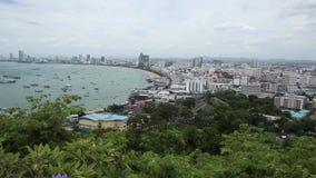 Εναέρια άποψη του κόλπου και της πόλης Pattaya στην ημέρα απόθεμα βίντεο