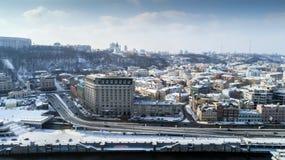 Εναέρια άποψη του λιμένα ποταμών, Podil και ταχυδρομικό τετράγωνο στο Κίεβο, η πρωτεύουσα της Ουκρανίας Στοκ Εικόνες