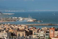 Εναέρια άποψη του λιμένα πόλεων της Βαρκελώνης στοκ εικόνα