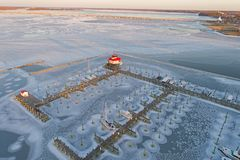 Εναέρια άποψη του παγωμένων ποταμού και του φάρου Choptank Στοκ εικόνα με δικαίωμα ελεύθερης χρήσης