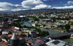 Εναέρια άποψη του παλαιού Tbilisi από Narikala Fortes Ηλιόλουστη ημέρα στο Tbilisi, Γεωργία στοκ εικόνα