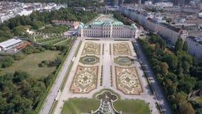 Εναέρια άποψη του παλατιού πανοραμικών πυργίσκων φλέβα Βιέννη Wien australites απόθεμα βίντεο