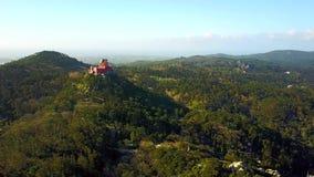 Εναέρια άποψη του παλατιού Pena σε Sintra, Πορτογαλία φιλμ μικρού μήκους