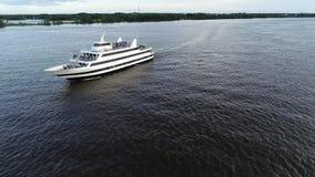 Εναέρια άποψη του ποταμού Φιλαδέλφεια PA του Ντελαγουέρ επιβατηγών πλοίων φιλμ μικρού μήκους