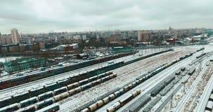 Εναέρια άποψη του σταθμού τρένου απόθεμα βίντεο
