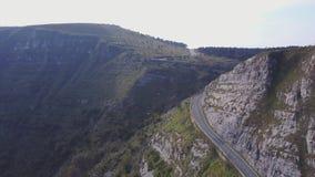 Εναέρια άποψη του συμπαθητικού δρόμου στα βουνά, Ισπανία απόθεμα βίντεο
