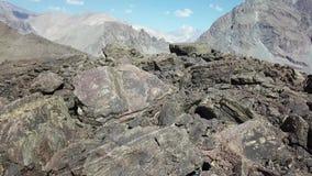 Εναέρια άποψη του τοπίου και της φύσης rmountains απόθεμα βίντεο