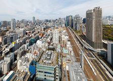 Εναέρια άποψη του Τόκιο κεντρικός με έναν όμορφο ορίζοντα πόλεων των υψηλών ουρανοξυστών ανόδου Στοκ Εικόνα