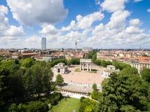 Εναέρια άποψη του τόξου θριάμβου - Arco Della ρυθμός στην ισοτιμία Sempione Στοκ εικόνα με δικαίωμα ελεύθερης χρήσης