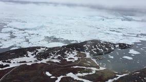 Εναέρια άποψη του icefjord στη Γροιλανδία απόθεμα βίντεο