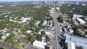 Εναέρια άποψη των αυτοκινήτων στο Ώστιν, Τέξας απόθεμα βίντεο