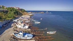 Εναέρια άποψη των βαρκών σε Μαύρη Θάλασσα, Αγαθούπολη, Βουλγαρία Στοκ φωτογραφία με δικαίωμα ελεύθερης χρήσης