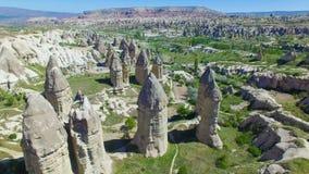 Εναέρια άποψη των βράχων σε Cappadocia απόθεμα βίντεο
