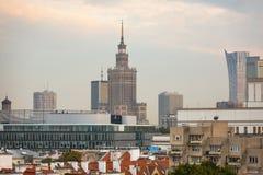 Εναέρια άποψη των επιχειρησιακών ουρανοξυστών στη Βαρσοβία στοκ εικόνες με δικαίωμα ελεύθερης χρήσης