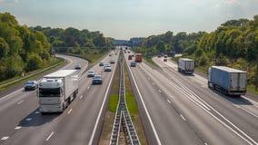 Εναέρια άποψη των φορτηγών και των αυτοκινήτων στο A12 αυτοκινητόδρομο Στοκ φωτογραφίες με δικαίωμα ελεύθερης χρήσης