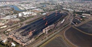 Εναέρια άποψη φορτωτών άνθρακα του Νιουκάσλ Αυστραλία στοκ εικόνα με δικαίωμα ελεύθερης χρήσης