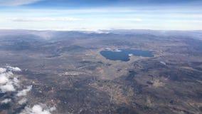 Εναέρια άποψη Arequipa από το αεροπλάνο στο Περού Στοκ φωτογραφία με δικαίωμα ελεύθερης χρήσης