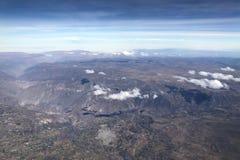 Εναέρια άποψη Arequipa από το αεροπλάνο στο Περού Στοκ εικόνα με δικαίωμα ελεύθερης χρήσης