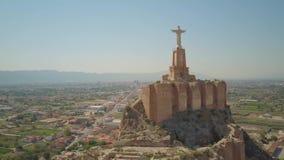 Εναέρια άποψη Castillo de Monteagudo, αρχαίο κάστρο στο Murcia, Ισπανία απόθεμα βίντεο
