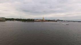 Εναέρια άποψη Petr και του φρουρίου Άγιος-Πετρούπολη του Paul απόθεμα βίντεο