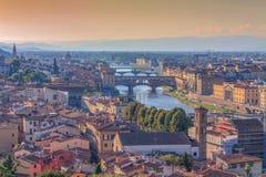Εναέρια άποψη Ponte Vecchio πέρα από τον ποταμό Arno, Φλωρεντία στοκ φωτογραφία με δικαίωμα ελεύθερης χρήσης
