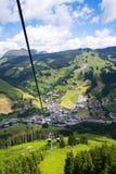 Εναέρια άποψη Saalbach από το τελεφερίκ Χ-Τύπου Schattberg, Αυστρία Στοκ φωτογραφία με δικαίωμα ελεύθερης χρήσης