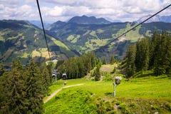 Εναέρια άποψη Saalbach από το τελεφερίκ Χ-Τύπου Schattberg, Αυστρία Στοκ Φωτογραφίες