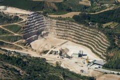 Εναέρια εικόνα της εξορυκτικής βιομηχανίας κοντά στο χωριό Artena στοκ φωτογραφίες με δικαίωμα ελεύθερης χρήσης