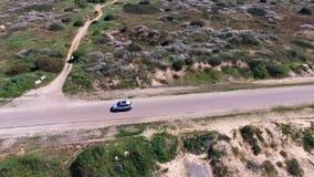 Εναέρια επιτήρηση αυτοκινήτων Ακολουθώντας σύστημα αυτοκινήτων ΠΣΤ Βρείτε το όχημά σας απόθεμα βίντεο