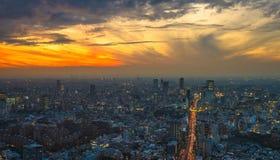 Εναέρια πανοραμική άποψη ηλιοβασιλέματος του Τόκιο Στοκ Φωτογραφία
