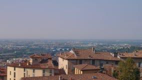 Εναέρια πανοραμική άποψη του Μπέργκαμο, Ιταλία φιλμ μικρού μήκους