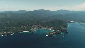 Εναέρια πτήση κηφήνων: τροπικό νησί, ωκεανός κρυστάλλου φιλμ μικρού μήκους