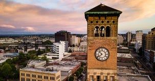 Εναέρια πόλη Clocktower άποψης στο στο κέντρο της πόλης Τακόμα Ουάσιγκτον στοκ εικόνες