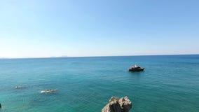 Εναέρια τηλεοπτική θάλασσα με τα σκάφη απόθεμα βίντεο