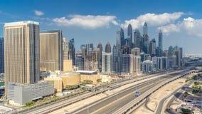 Εναέρια τοπ άποψη ουρανοξυστών μαρινών του Ντουμπάι με τα σύννεφα από JLT στο Ντουμπάι timelapse, Ε.Α.Ε. φιλμ μικρού μήκους
