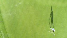 Εναέρια τοπ άποψη του γηπέδου του γκολφ στο τροπικό θέρετρο Punta Cana, Δομινικανή Δημοκρατία πολυτέλειας απόθεμα βίντεο
