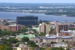 Εναέρια υπαίθρια αστική άποψη της πόλης του Μόντρεαλ στον Καναδά Στοκ φωτογραφία με δικαίωμα ελεύθερης χρήσης