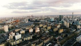 Εναέρια φωτογραφία άποψης των ορόσημων πόλεων του Λονδίνου και της κατοικημένης αστικής περιοχής Στοκ εικόνες με δικαίωμα ελεύθερης χρήσης