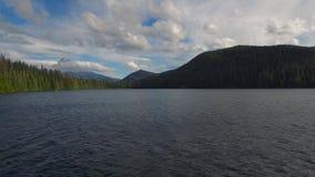 Εναέρια χαμένη το Όρεγκον λίμνη φιλμ μικρού μήκους