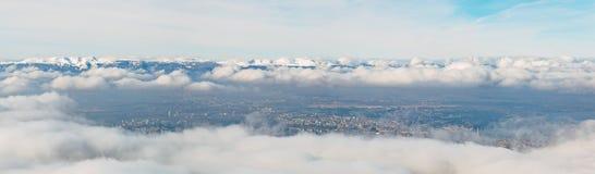 Εναέρια χειμερινή ομίχλη της Γενεύης Στοκ Εικόνες