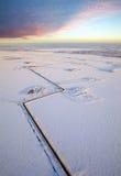 εναέρια όψη πετρελαίου λιμνών πεδίων παγωμένη Στοκ φωτογραφίες με δικαίωμα ελεύθερης χρήσης