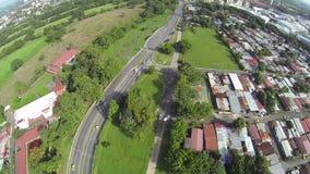 Εναέριες βιντεοσκοπημένες εικόνες των σπιτιών και των οδών στην πόλη του Παναμά απόθεμα βίντεο
