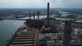 Εναέριες βλασταημένες βιομηχανικές εγκαταστάσεις παραγωγής ενέργειας φιλμ μικρού μήκους