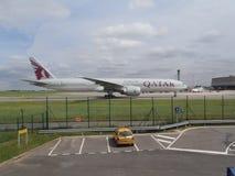 Εναέριοι διάδρομοι του Boeing 777-300ER Κατάρ Στοκ φωτογραφία με δικαίωμα ελεύθερης χρήσης