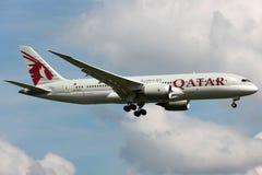 Εναέριοι διάδρομοι Boeing 787 του Κατάρ Dreamliner στοκ εικόνα