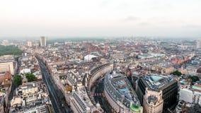 Εναέριος ορίζοντας του Λονδίνου άποψης κεντρικός επάνω από το δρόμο Piccadilly και την οδό αντιβασιλέων Στοκ εικόνα με δικαίωμα ελεύθερης χρήσης